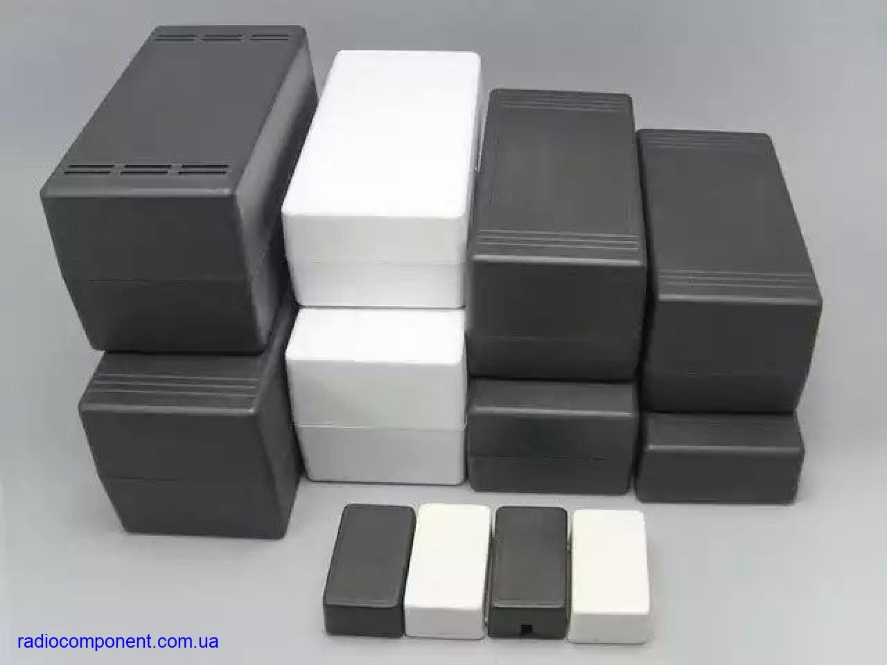 Корпуса пластиковые чёрного цвета для электронных изделий