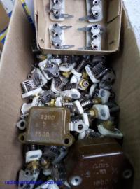 Продам конденсаторы переменной емкости::КТ4-25,